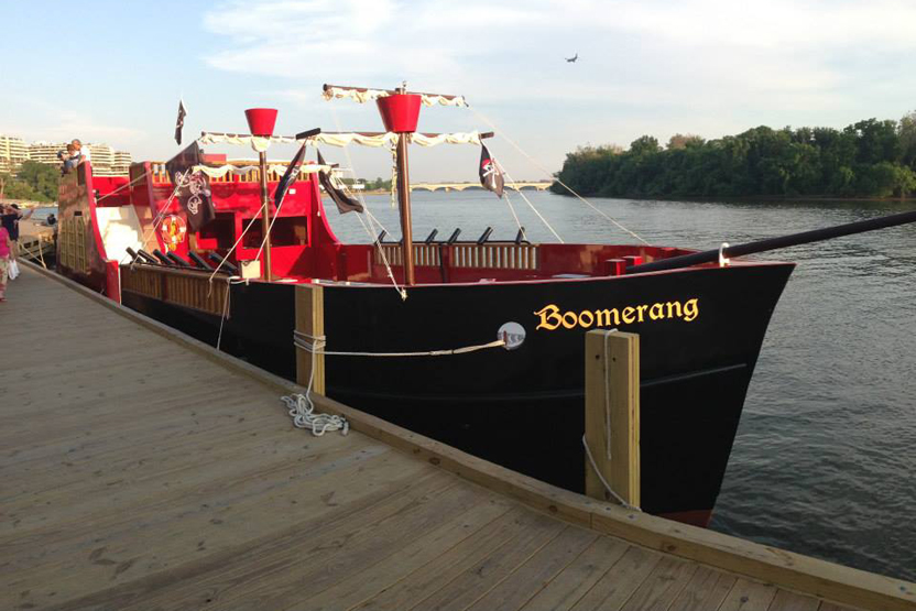 Boomerang Tours Pirate