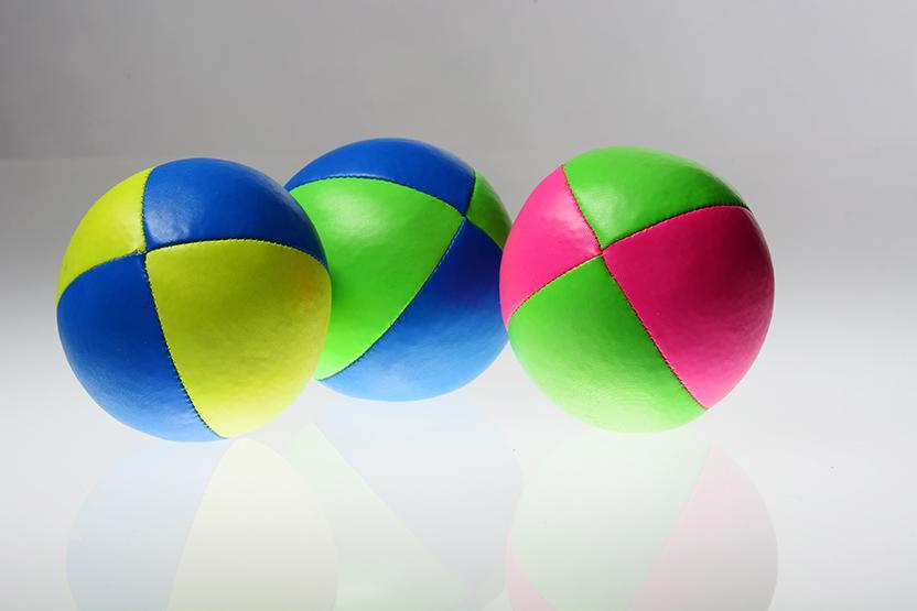 Kids Juggling
