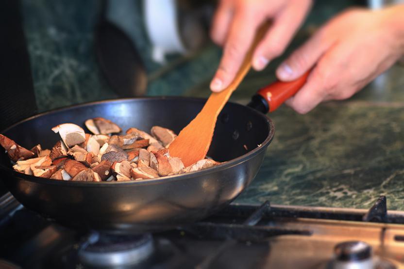 Sauteing Food