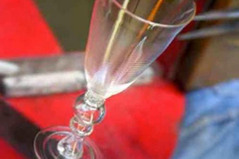 V Glassblowing Drinking Glasses 3744