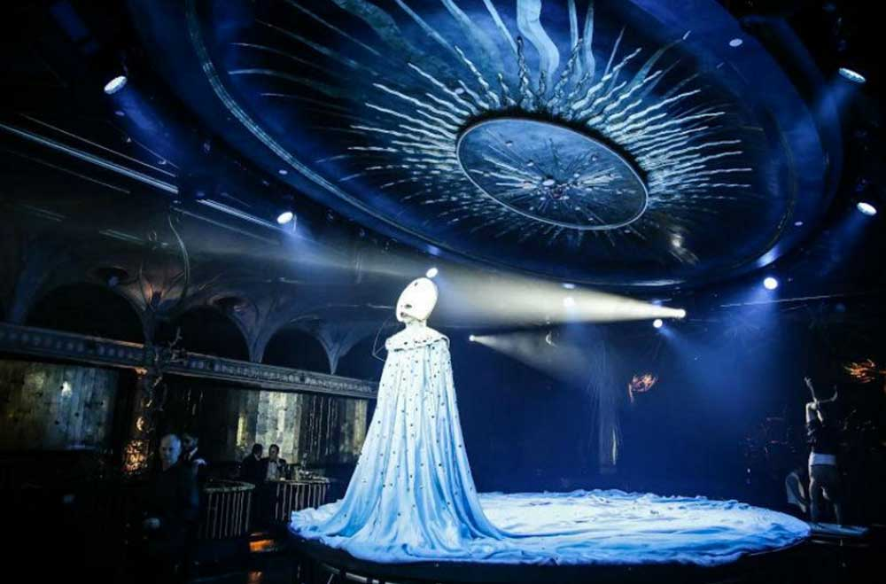 6 Reasons to See Queen of the Night