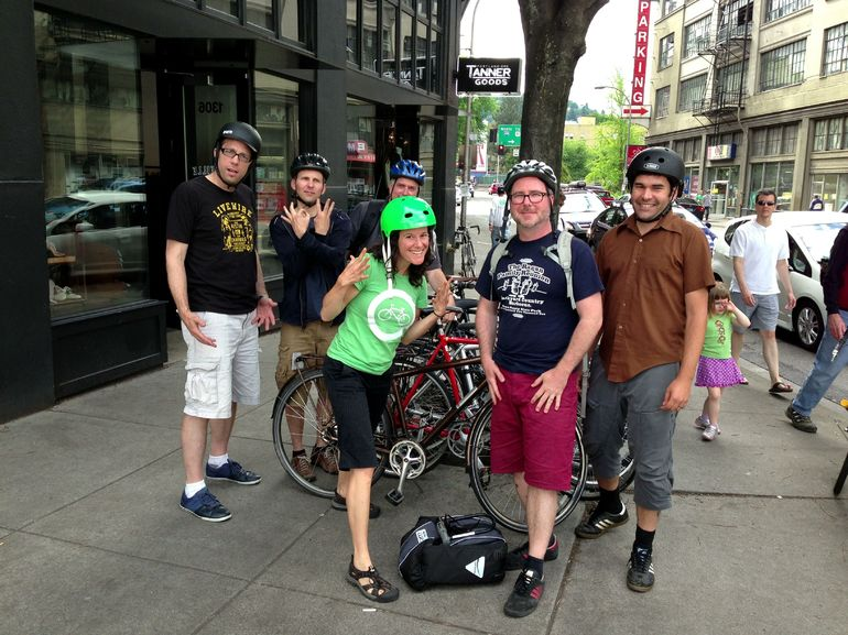 downtown-portland-date-ideas-bikes-and-brew-vimbly