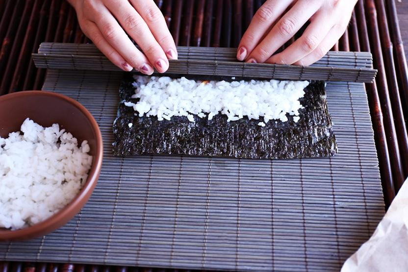 sushi-making-cooking-classes-chicago-date-ideas-vimbly