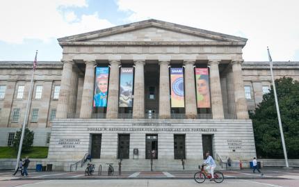 Urban Adventures DC Smithsonian American Art