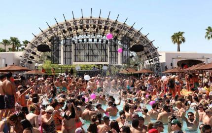 La Epic Club Crawl Vegas Pool Crawl